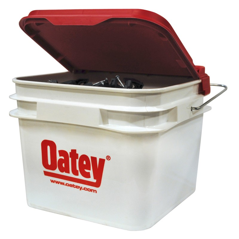"Oatey® 1/2"" Stand-Off Pipe Clamp with Nail (500 in 2.1 Gal. Bucket)"